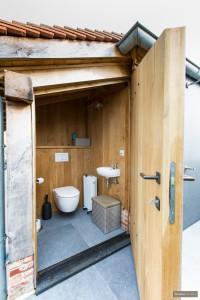 Luxe toiletruimte in eik